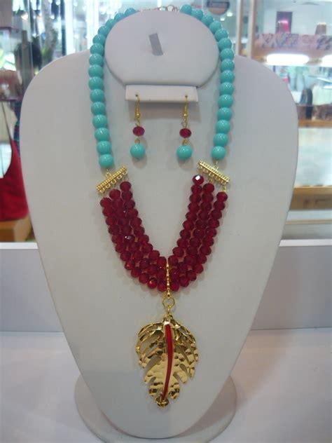 collar rojo  turquesa hermosa combinacion collares