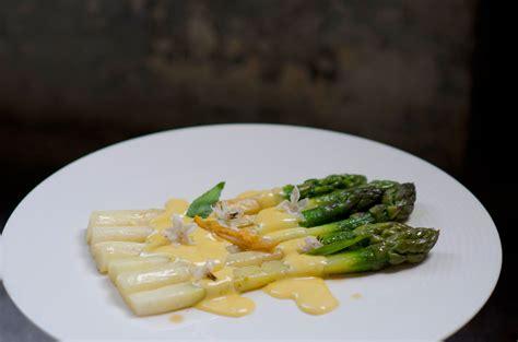 cuisine mousseline asparagus with mousseline sauce asperges sauce mousseline