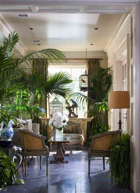 25 Mesmerizing Coastal Interiors with Tropical Elements