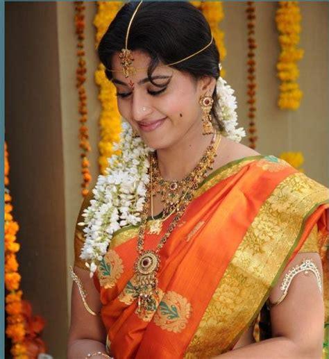 actors anushka shetty engagement pattu saree