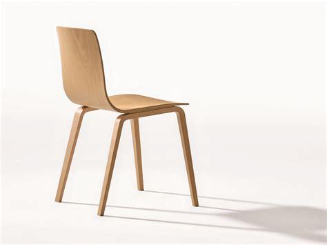 aava chaise en bois by arper design antti kotilainen