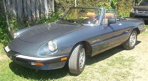 1985 Alfa Romeo Spider Photos, Informations, Articles