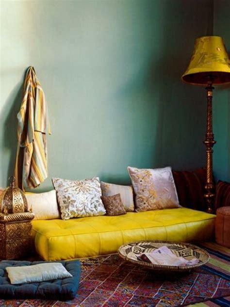 canapé style marocain le canapé marocain qui va bien avec votre salon