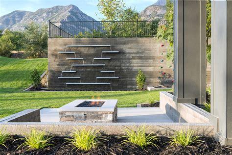 outdoor water walls 49 amazing outdoor water walls for your backyard digsdigs