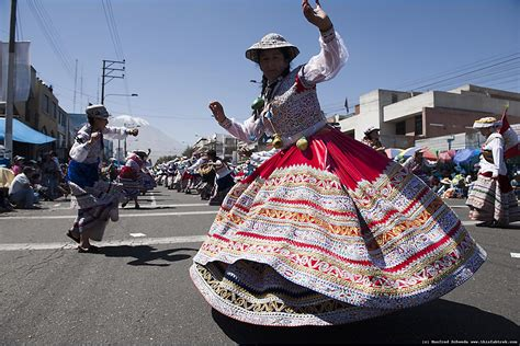 The people living in the highlands of peru that speak quechua and aymara have a musical sound that is very distinctive and contains elements of spanish music. Arequipa Day, el Dia de Arequipa.