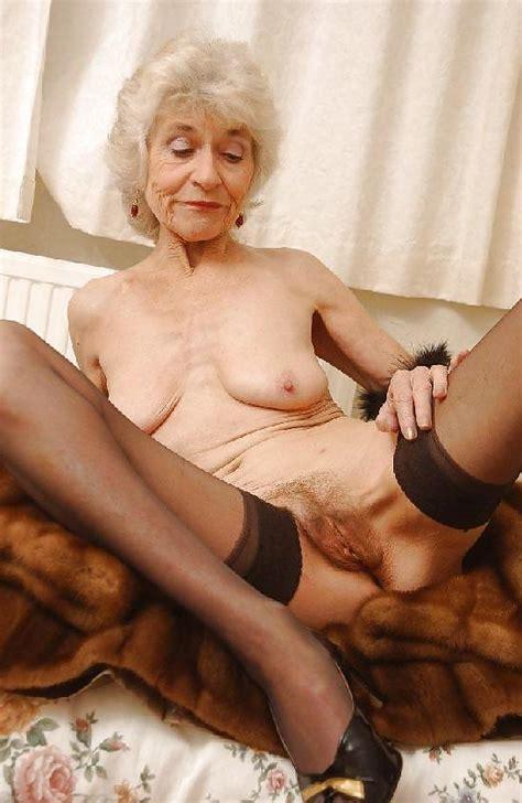 Grannys Over 60 25 Pics