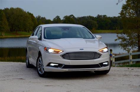 2017 Ford Fusion Energi 610 Miie Range