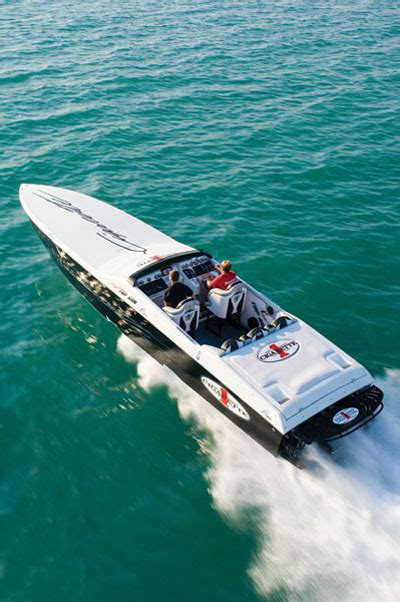 Cigarette Boat Builder by Cigarette Racing 38 Top Gun Review Teamspeed