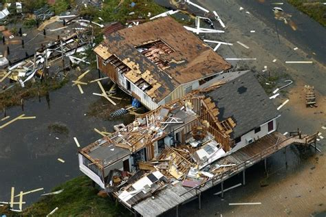 Disasters Batter Insurance Industry The York Times Can You Live Without Disaster Insurance Wsj