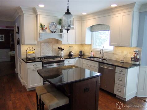valance lighting kitchen 9 great decorative touches for that custom cabinetry look 3113