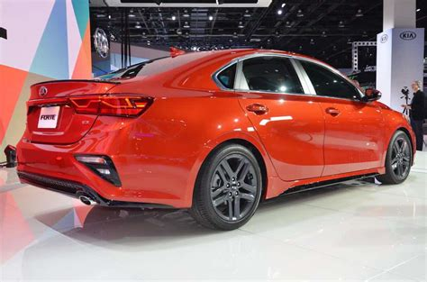 2019 Kia Forte Amps Up Its Style With Stinger Looks