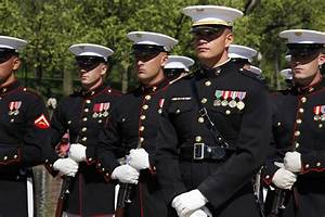 Marine dress blues marine | USMC | Pinterest | USMC ...