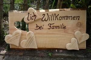 Türschild Herzlich Willkommen : t rschild lich willkommen bei familie von holz kreativ auf eine der vielen ~ Sanjose-hotels-ca.com Haus und Dekorationen