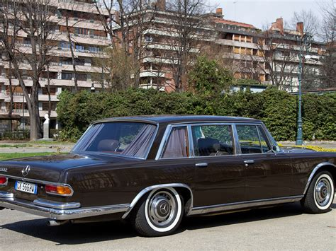 The model came in a short and long wheelbase pullman chassis. RM Sotheby's - 1966 Mercedes-Benz 600 Pullman Limousine ...