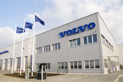 volvo truck service center new volvo truck center opens in czech republic