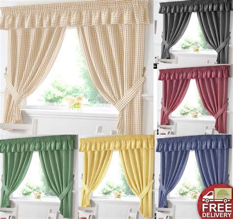 gingham kitchen window curtains  matching pelmet