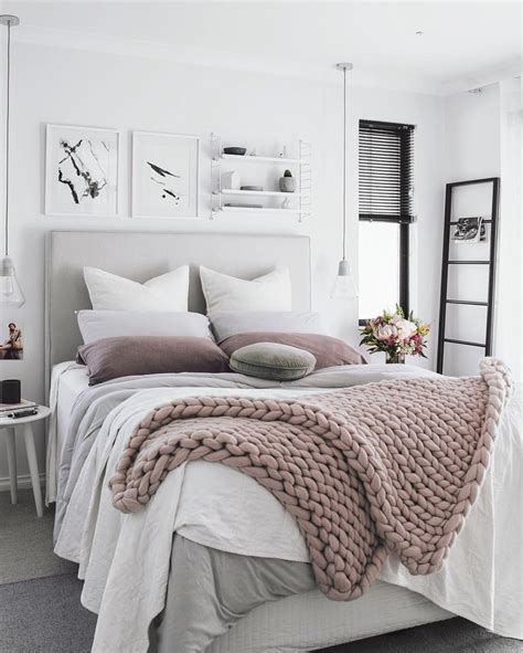 Bedroom Decor Guide by Sleepy Snug Style A Guide To Calming D 233 Cor Ideas For