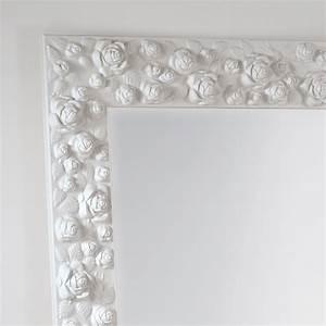 Große Wandspiegel Mit Rahmen : stand und wandspiegel rahmen mit rosen verziert flower ~ Bigdaddyawards.com Haus und Dekorationen