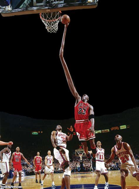 michael jordans long arm dunk pictures freaking news