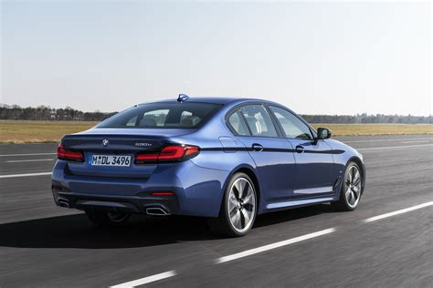 The 2021 bmw 5 series has kicked down the double doors and is now standing on the tables before us. Check Out The 2021 BMW 5-Series Facelift From Every Angle ...