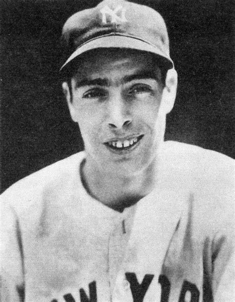 File:1939 Playball Joe Dimaggio (minus halftone).jpg