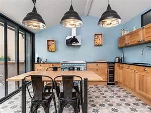 Cuisine Deco Industrielle : une cuisine bleue au style industriel chic kitchens style industriel chic cuisine style ~ Carolinahurricanesstore.com Idées de Décoration