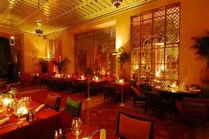 Palais Jad Mahal Restaurant & Bar - Hip restaurant & bar