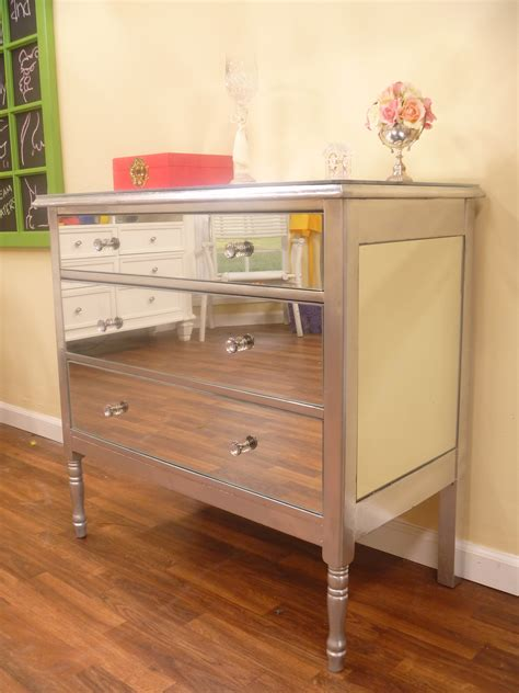 Dressers And Nightstands by Mirrored Dressers And Nightstands Interior Design