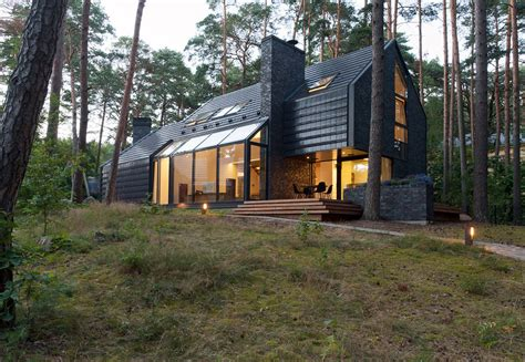 House In The Forest : Modern Forest House Dedicated To Blues Music