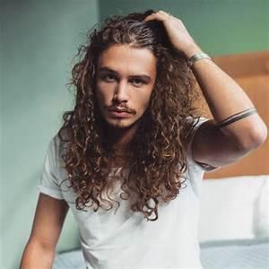 Comment Avoir Les Cheveux Long Homme : coiffeur homme cheveux boucles coiffures populaires ~ Melissatoandfro.com Idées de Décoration