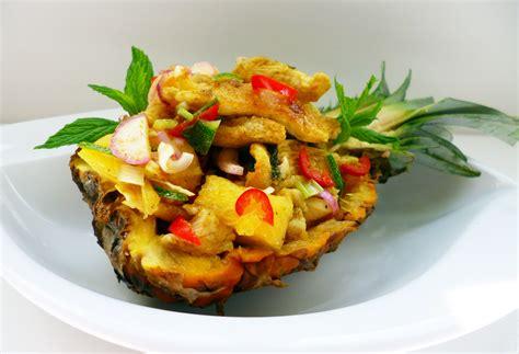 cuisine asiatique boeuf salade de poulet à l 39 ananas la recette facile par toqués