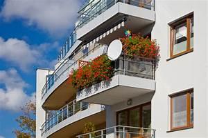 Was Kostet Eine Doppelgarage Gemauert : balkongel nder die preise im berblick ~ Markanthonyermac.com Haus und Dekorationen