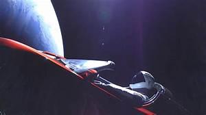 Voiture Tesla Dans L Espace : il y a d sormais une voiture dans l 39 espace avec un mannequin au volant sciencepost ~ Medecine-chirurgie-esthetiques.com Avis de Voitures