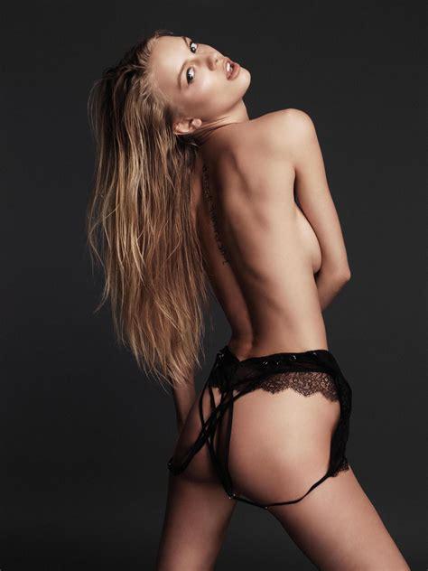 alena filinkova nude 21 pictures in an infinite scroll