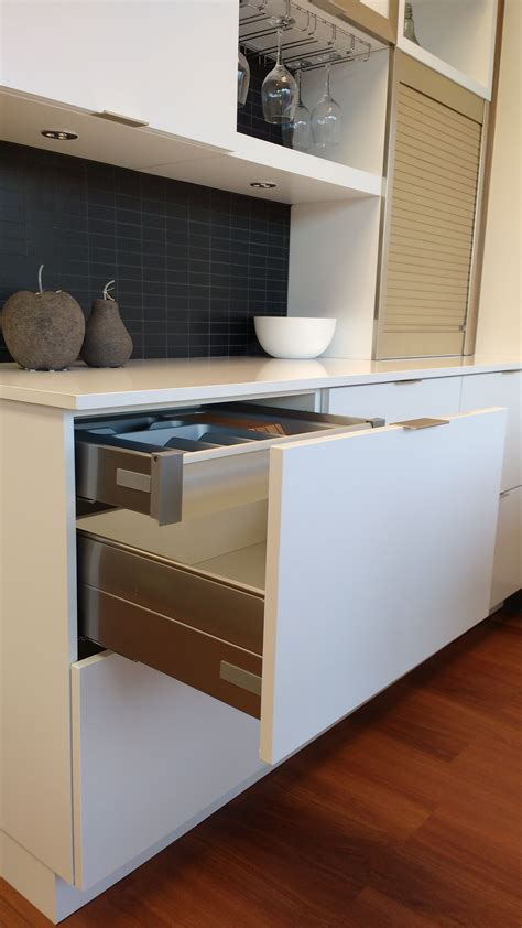 atout cuisine armoires mathurin les systèmes coulissants un atout