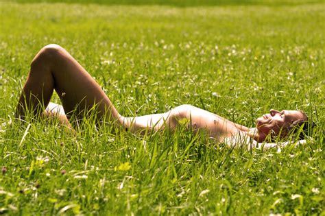 Nackt Sein Im Eigenen Garten Ist Erlaubt Tiroler