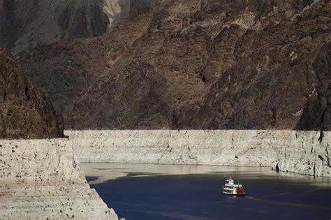 lake mead  shrinking lake lake mead  historic