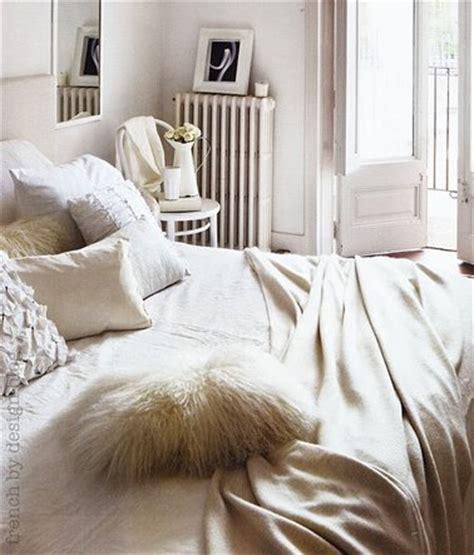chambre blanc beige décoration chambre cocooning blanche et beige