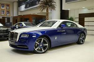 Rolls Royce Wraith : blue and white rolls royce wraith is bespoke to its core carscoops ~ Maxctalentgroup.com Avis de Voitures