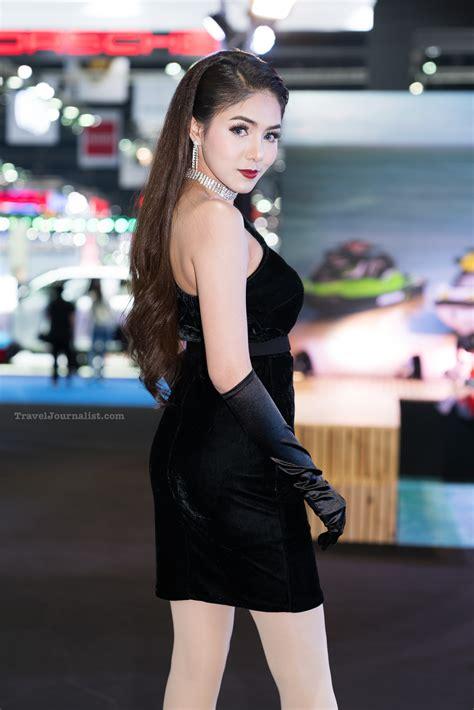 beautiful asian girls   bangkok motor show