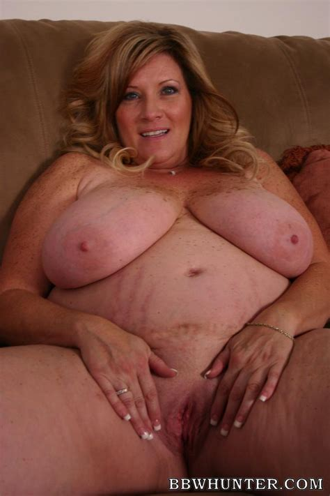 Blonde Bbw Deedra Slobbering A Meaty Stick Before Humping