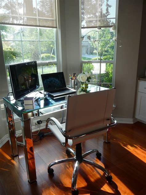 work space  bay window