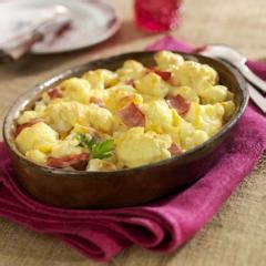 Ein toller vegetarischer snack für kuschelige winterabende. Blumenkohl mit Schinken und Käse überbacken | Rezept in ...