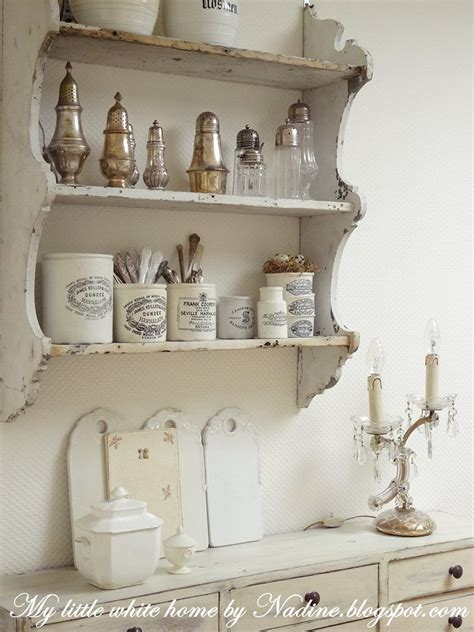 Etagere Shabby Chic by Lovely Weathered Plate Rack With Stoneware And Silver