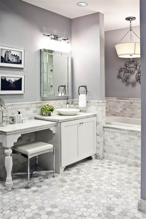 On top of its water resistance and good looks, porcelain tile flooring is surprisingly cheap, around the same price as vinyl flooring. 30 Ideas on using hex tiles for bathroom floors