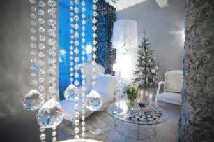 contemporary christmas decorating ideas for interiors and centerpiece