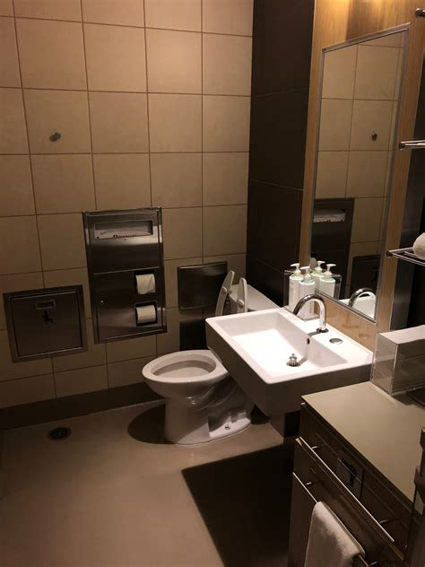 showers at lax review delta sky club los angeles lax live and let s fly