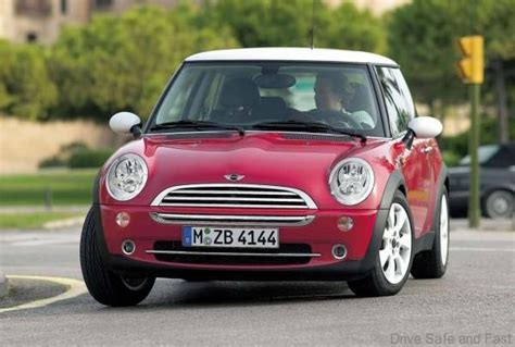 Are Mini Coopers Fast by Mini Cooper 2001 2007 Used Buy Review Drive Safe And Fast