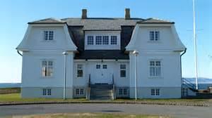 in house file höfði house reykjavik jpg wikimedia commons
