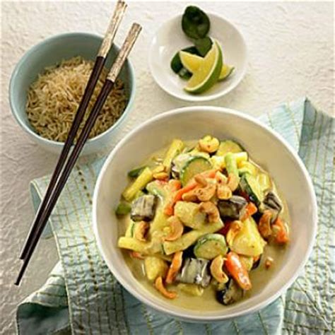 cuisine thailandaise recettes faciles curry de légumes au lait de coco recettes de cuisine
